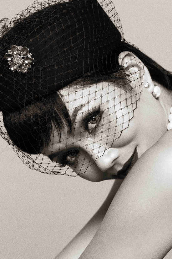 Khi HHen Niê theo phong cách Audrey Hepburn - Ảnh 6.