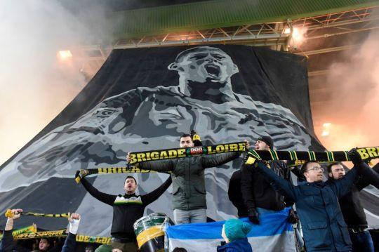 Lễ tưởng niệm Emiliano Sala đẫm nước mắt tại Ligue 1 - Ảnh 3.