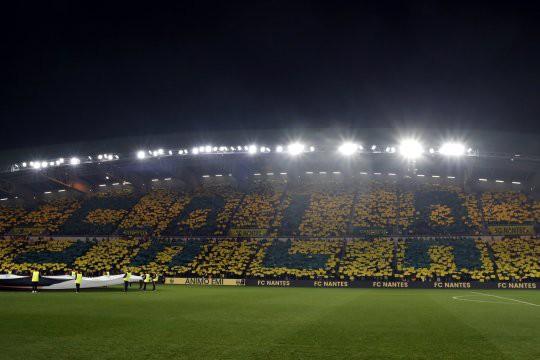 Lễ tưởng niệm Emiliano Sala đẫm nước mắt tại Ligue 1 - Ảnh 1.