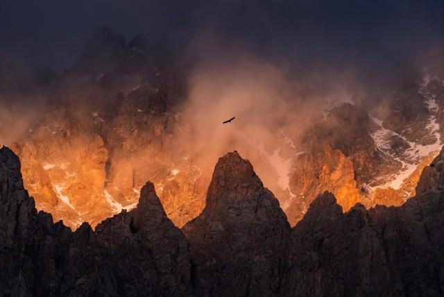 Thiên nhiên hùng vĩ ở Kyrgyzstan - Ảnh 4.