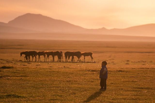 Thiên nhiên hùng vĩ ở Kyrgyzstan - Ảnh 8.