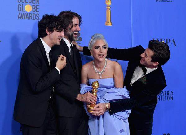 Quả cầu vàng 2019: Lady Gaga rực rỡ đến chói lóa - Ảnh 3.
