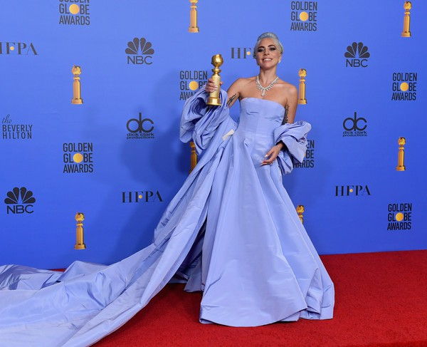 Quả cầu vàng 2019: Lady Gaga rực rỡ đến chói lóa - Ảnh 4.