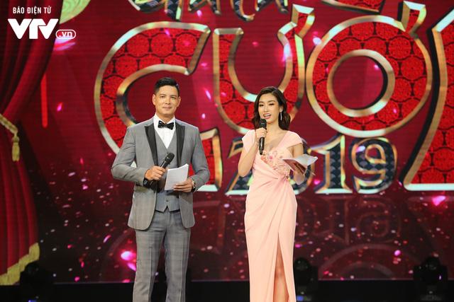 Hoa hậu Đỗ Mỹ Linh lần đầu xuất hiện ở Gala cười 2019 - Ảnh 3.