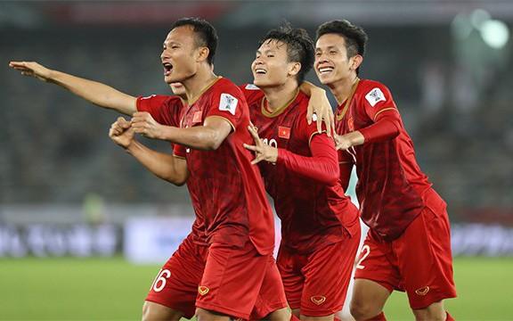 Sau lượt trận đầu tiên VCK Asian Cup 2019: ĐT Việt Nam là một trong 4 đội hạng ba giành quyền vào vòng 1/8 - Ảnh 2.