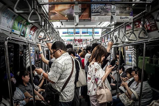 Nhận hơn 2,3 tỷ đồng để nhịn smartphone trong 1 năm, liệu bạn có thể? - Ảnh 3.