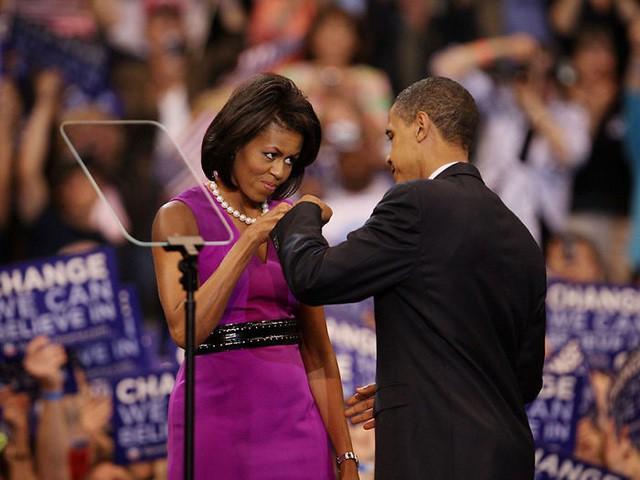 Chùm ảnh kỷ niệm ngày cưới của vợ chồng ông Obama thu hút hơn 2 triệu like trên Twitter - Ảnh 8.