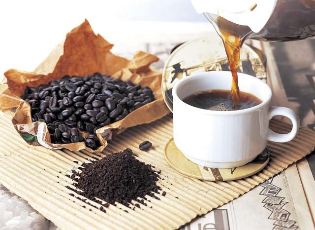 Vết ố cà phê trên răng: Nguy cơ và cách giải quyết - Ảnh 2.