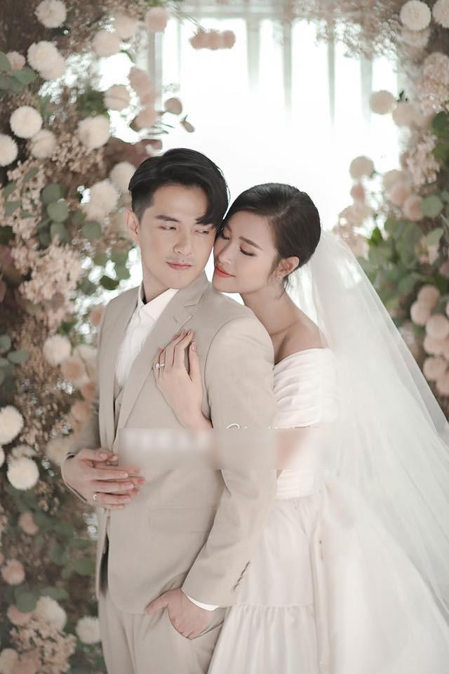 Trọn bộ ảnh cưới đẹp lung linh của Đông Nhi - Ông Cao Thắng - Ảnh 2.