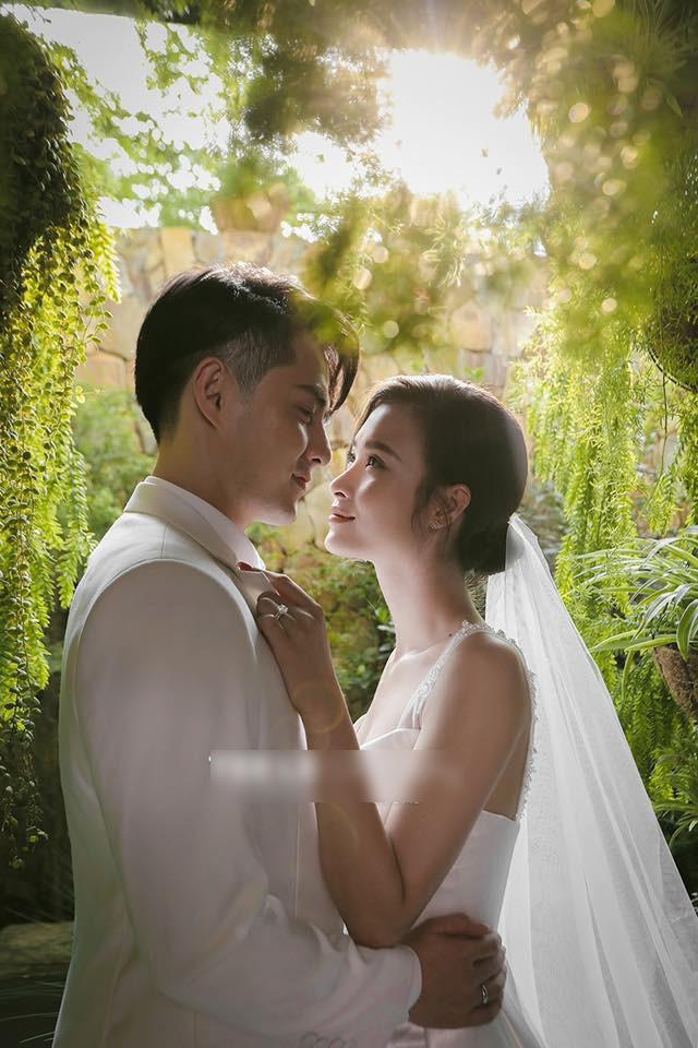 Trọn bộ ảnh cưới đẹp lung linh của Đông Nhi - Ông Cao Thắng - Ảnh 4.