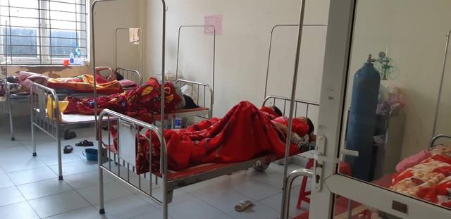 Vụ ngộ độc khí tại Nam Định, hơn 50 công nhân đang tiếp tục được điều trị - Ảnh 2.