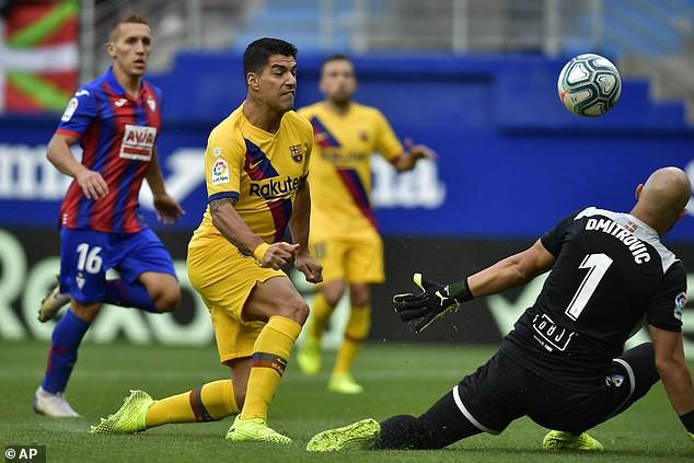 Eibar 0-3 Barcelona: Tam tấu tỏa sáng, Barca tạm chiếm ngôi đầu! - Ảnh 2.