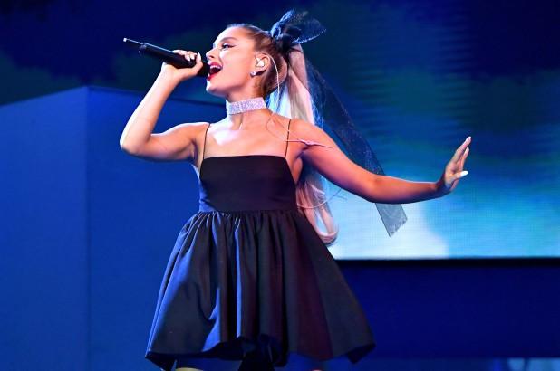MTV EMAs 2019: Ariana Grande thống trị đề cử - Ảnh 1.