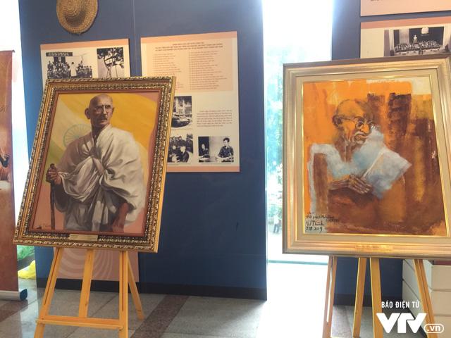 Kỷ niệm 150 năm ngày sinh lãnh tụ Ấn Độ Mahatma Gandhi tại Hà Nội - Ảnh 1.