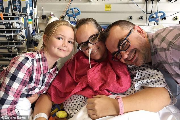 Anh: Một phụ nữ cắt bỏ 8 cơ quan nội tạng do mắc ung thư lạ - Ảnh 2.