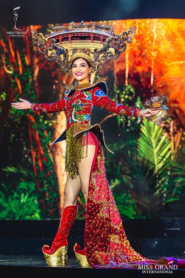 Vừa lọt Top 10 bình chọn quốc phục, Kiều Loan khoe ngay bộ cánh thi Bán kết Miss Grand International 2019 - Ảnh 1.