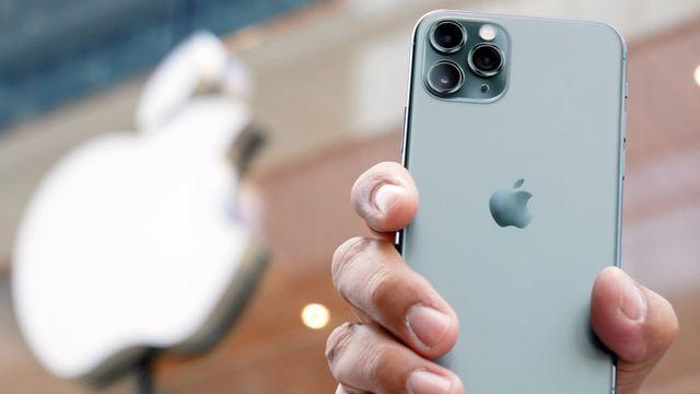 Được và mất gì khi mua iPhone chính hãng và iPhone xách tay? - Ảnh 1.