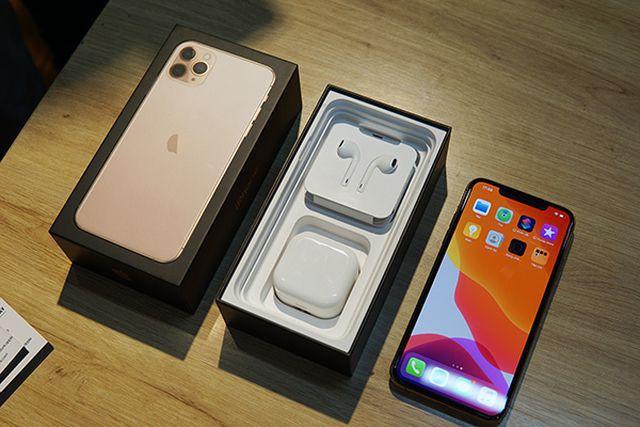 Được và mất gì khi mua iPhone chính hãng và iPhone xách tay? - Ảnh 3.