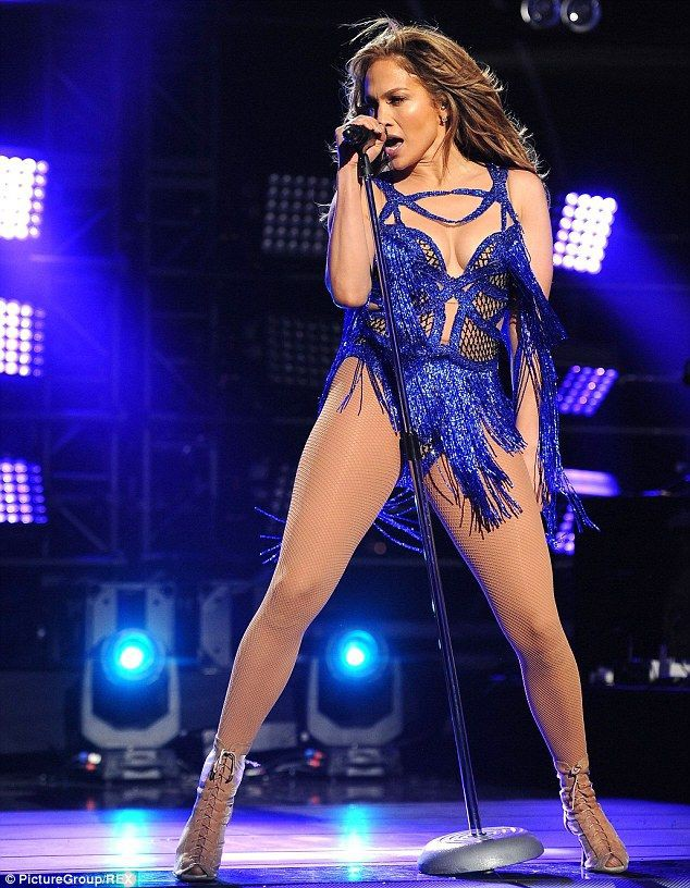 """Jennifer Lopez: """"Super Bowl 2020 sẽ hoành tráng hơn bao giờ hết"""" - Ảnh 2."""