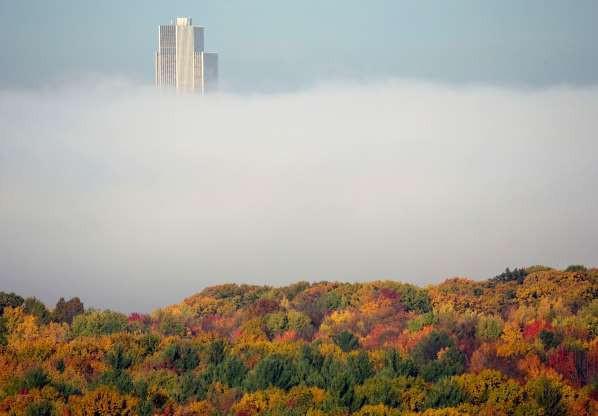 Vẻ đẹp của các thành phố trên thế giới khi chìm trong sương sớm - ảnh 6