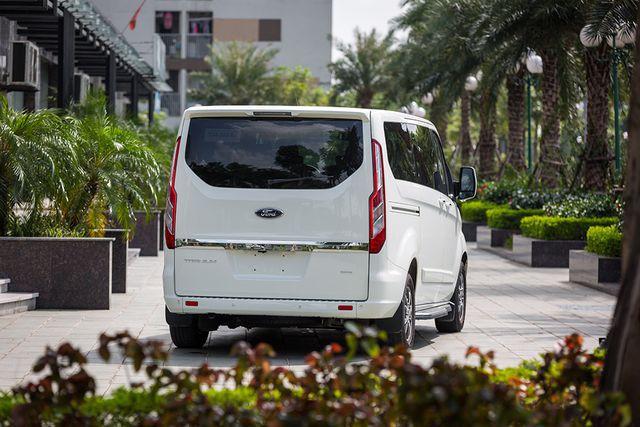 Ford Tourneo Titanium 2019 - Sở hữu những tính năng vượt trội của dòng xe MPV - ảnh 3