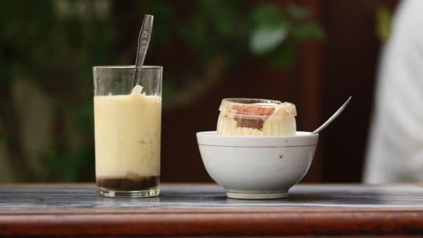 CNN nói Hà Nội là 1 trong 9 nơi tốt nhất thế giới để uống cà phê - Ảnh 1.