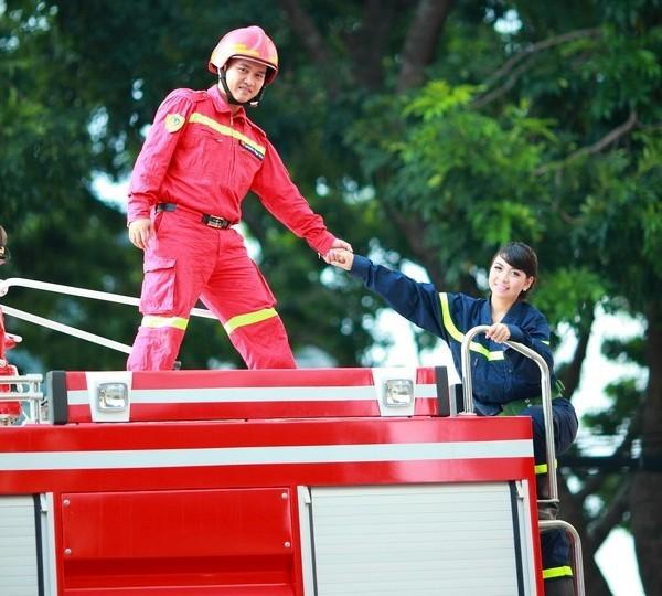 Hình ảnh đẹp về người linh phòng cháy chữa cháy - Ảnh 1.