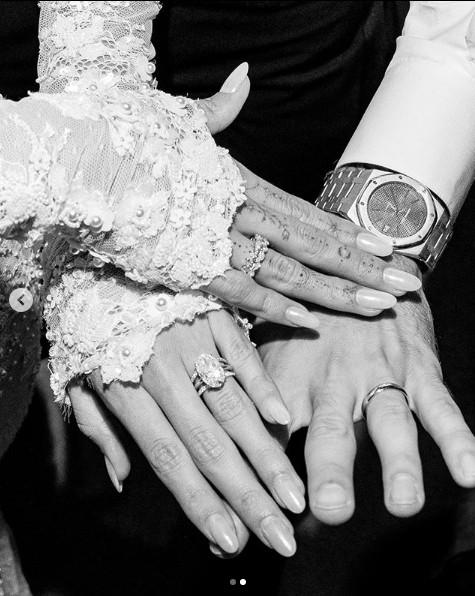 Ảnh cưới của Justin Bieber - Hailey Baldwin gây choáng ngợp - Ảnh 2.