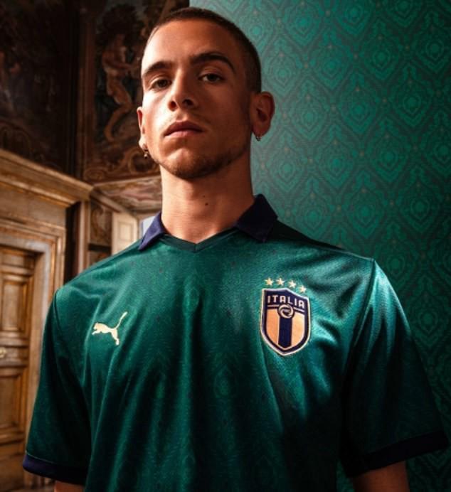 Đội tuyển Italia gây bất ngờ với màu áo mới - Ảnh 1.