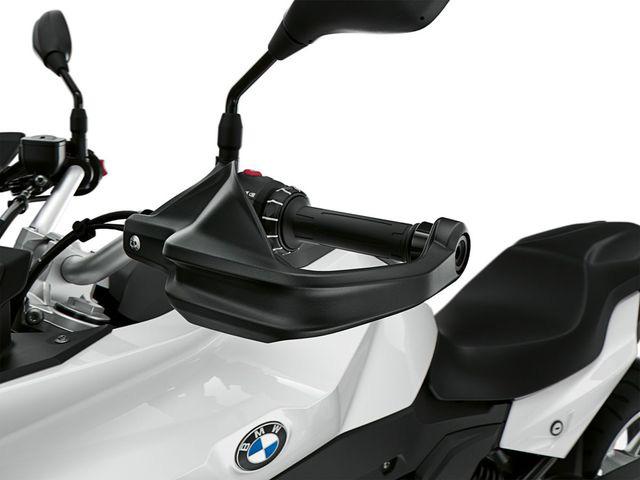 BMW Motorrad ra mắt bộ đôi onroad cỡ trung F900R và F900XR - Ảnh 10.