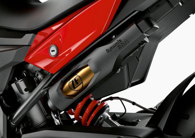 BMW Motorrad ra mắt bộ đôi onroad cỡ trung F900R và F900XR - Ảnh 8.
