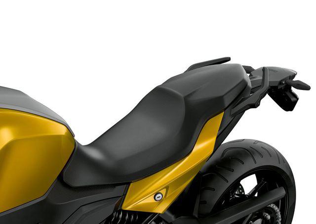 BMW Motorrad ra mắt bộ đôi onroad cỡ trung F900R và F900XR - Ảnh 9.