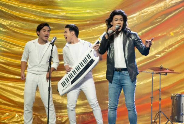 Phan Ngọc Luân đầy lãng tử khi biến hóa thành nhóm Modern Talking - Ảnh 1.