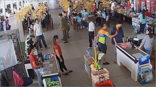 Đình chỉ Thượng úy công an hành hung nhân viên bán hàng ở Thái Nguyên - Ảnh 1.
