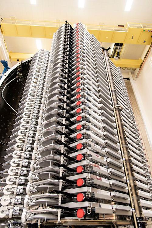 SpaceX phóng 60 vệ tinh phủ sóng Internet lên quỹ đạo - Ảnh 1.