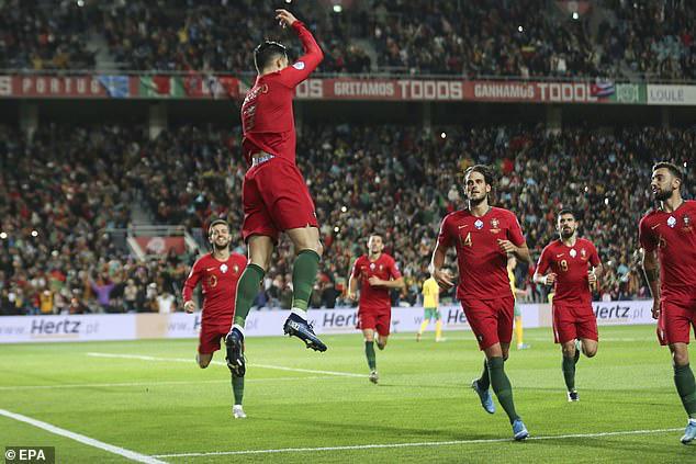 ĐT Bồ Đào Nha 6-0 ĐT Litva: Ronaldo lập hat-trick - Ảnh 3.