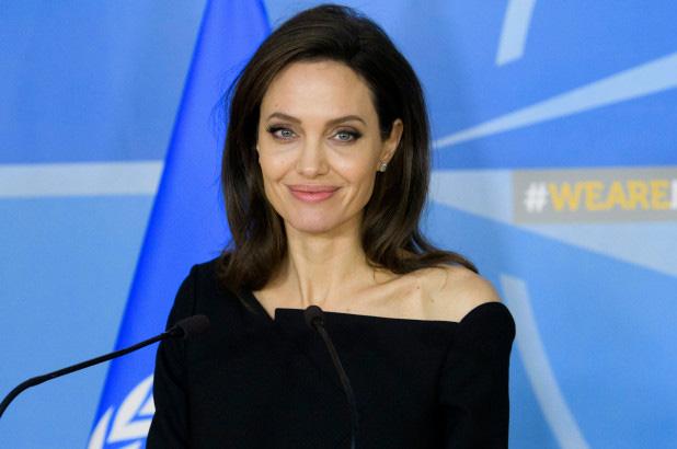 Angelina Jolie đã hẹn hò trở lại - Ảnh 1.
