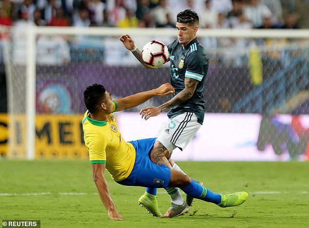 ĐT Brazil 0-1 ĐT Argentina: Messi lập công, ĐT Argentina đoạt cúp siêu kinh điển Nam Mỹ - Ảnh 2.