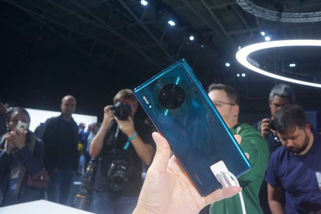 Huawei bất ngờ bán Mate 30 Pro tại Việt Nam, cài Harmony OS - ảnh 1