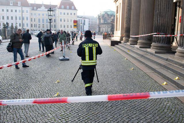 Vụ trộm chấn động thế giới: Kho báu trị giá 1,1 tỷ USD bị trộm từ bảo tàng nước Đức - Ảnh 1.