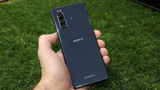 Sony bất ngờ bán Xperia 5 tại Việt Nam, giá 19,99 triệu đồng - Ảnh 2.