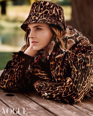 Emma Watson xinh như một đóa hoa - Ảnh 2.