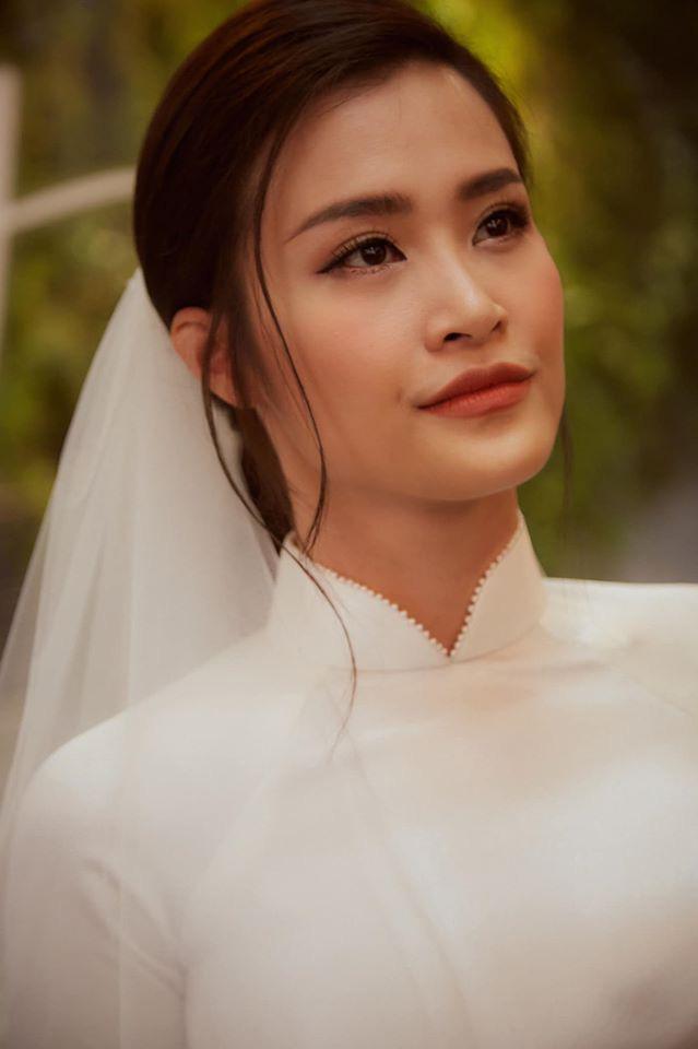 Diện áo dài giản dị, Đông Nhi đẹp xuất thần trong lễ rước dâu - Ảnh 9.
