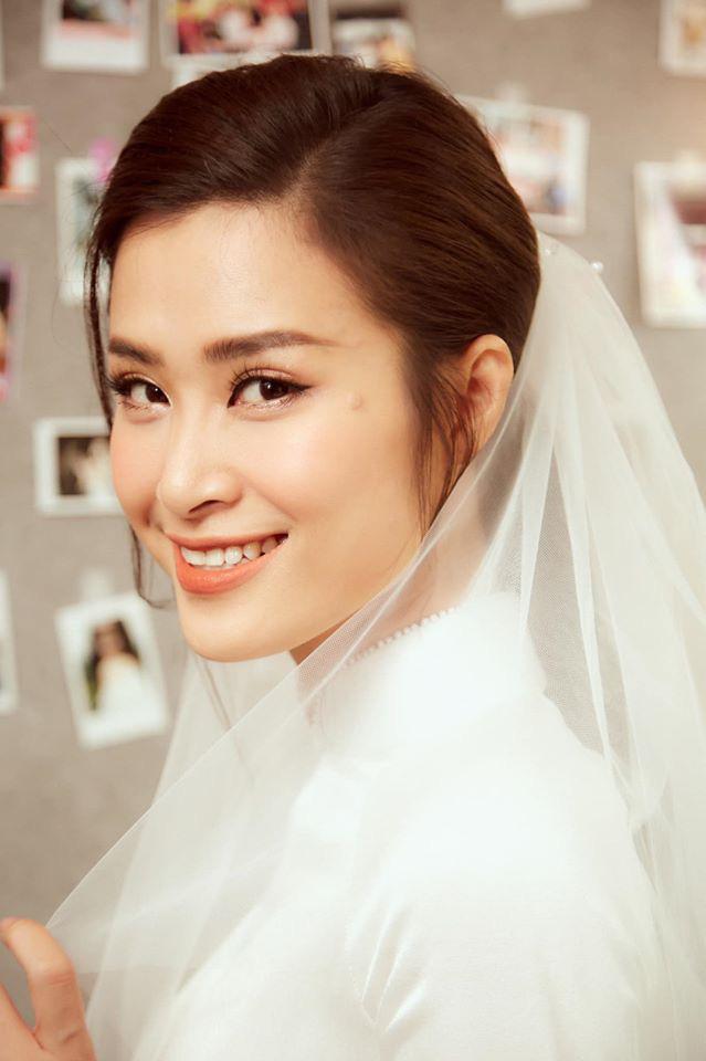 Diện áo dài giản dị, Đông Nhi đẹp xuất thần trong lễ rước dâu - Ảnh 7.