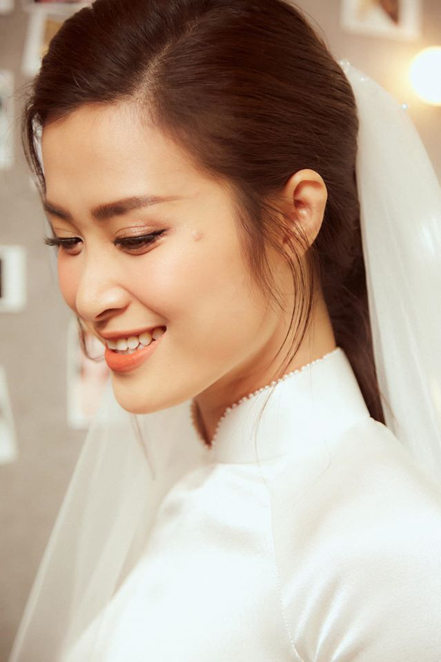 Diện áo dài giản dị, Đông Nhi đẹp xuất thần trong lễ rước dâu - Ảnh 3.