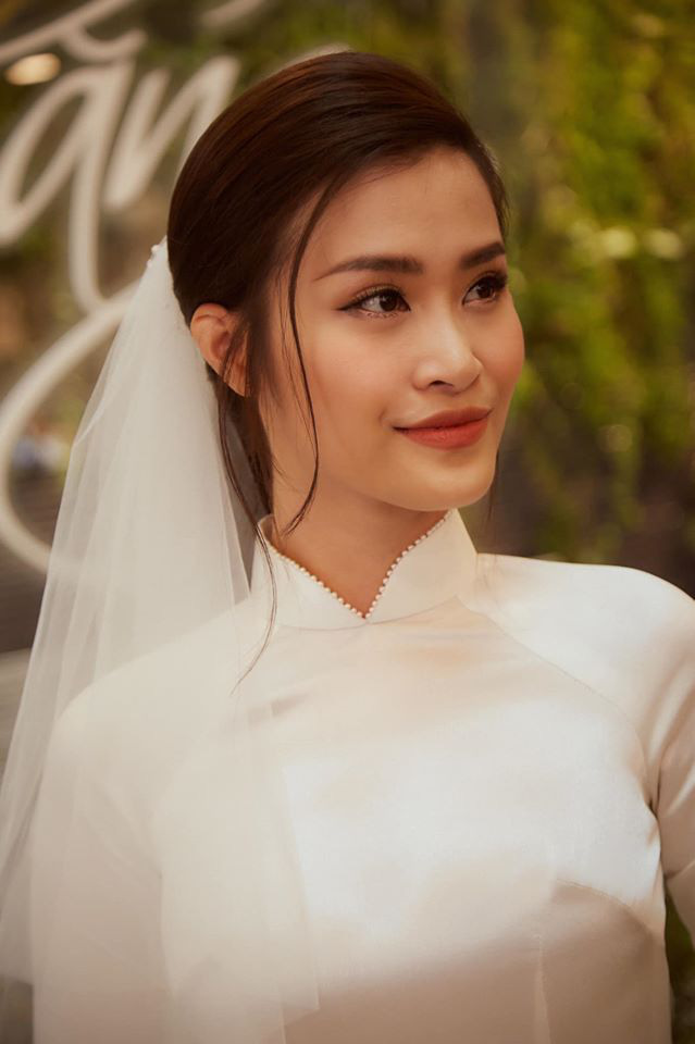 Diện áo dài giản dị, Đông Nhi đẹp xuất thần trong lễ rước dâu - Ảnh 10.