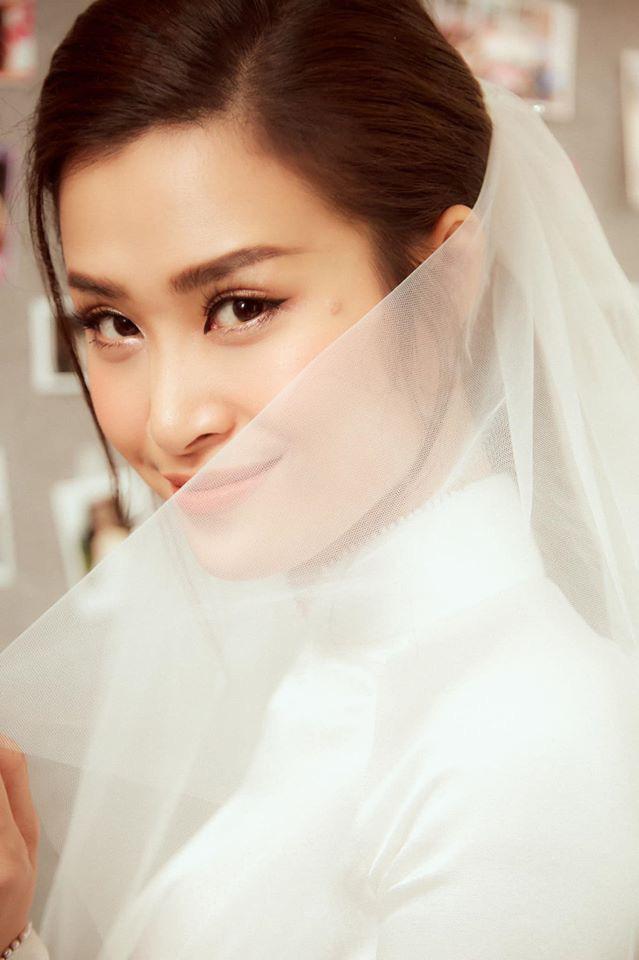 Diện áo dài giản dị, Đông Nhi đẹp xuất thần trong lễ rước dâu - Ảnh 5.