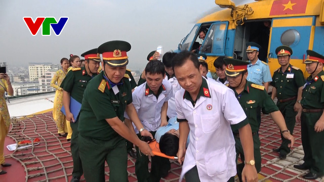 Rút ngắn thời gian vận chuyển bệnh nhân từ đảo xa về đất liền - Ảnh 1.