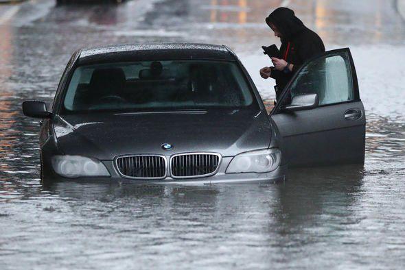 Lũ lụt nghiêm trọng tại Anh - Ảnh 6.