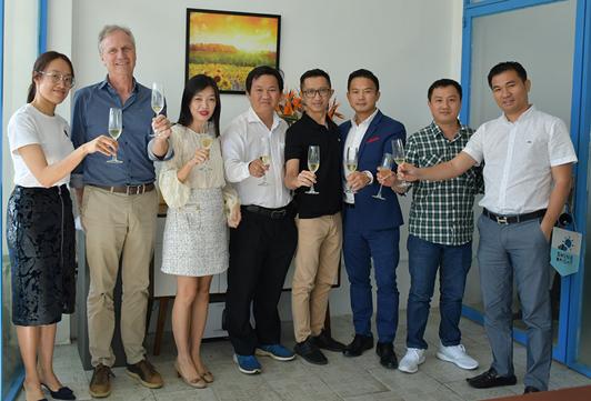 Tập đoàn hoa của Hà Lan rót vốn lớn vào start-up Hoayeuthuong - Ảnh 1.